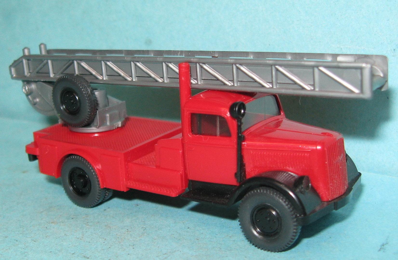 1//87 Wiking Opel Blitz DL Feuerwehr 862